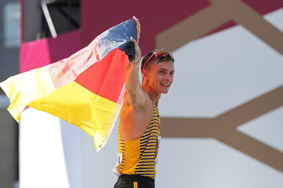 Jonathan Hilbert schafft die Sensation und gewinnt die olympische Silbermedaille.