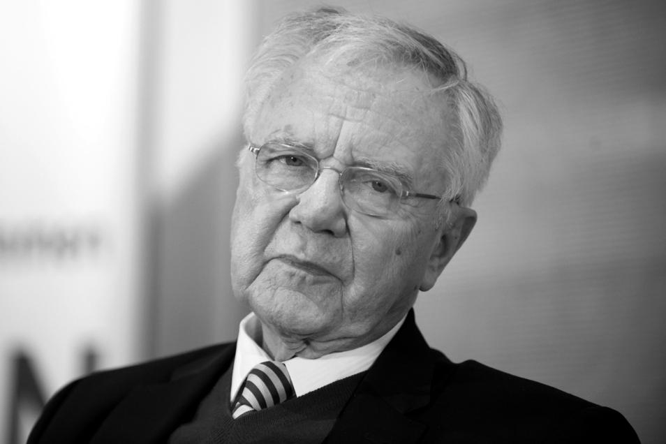 Der ehemalige Ministerpräsident von Brandenburg Manfred Stolpe ist tot.