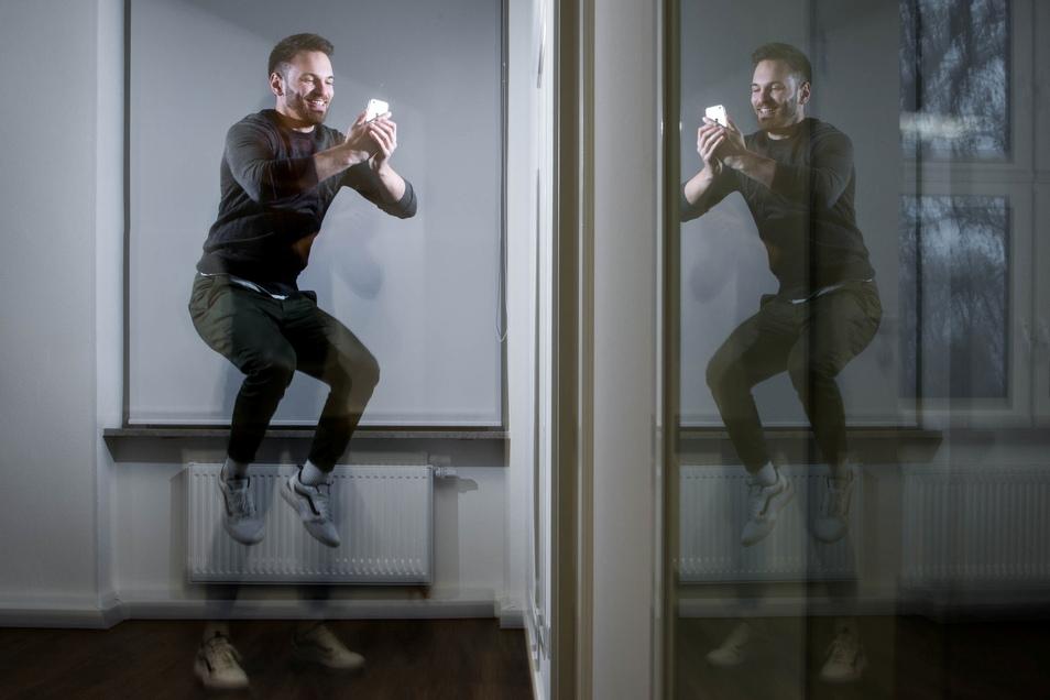 Springen statt Fingerübungen: Etienne Petermann und seine Mitstreiter vom Dresdner Start-up Evomo nutzen Handyspiele, um Anwender fit zu machen.