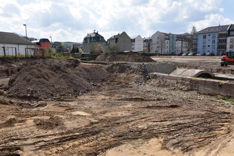 Auf diesem Areal befand sich einst das Lohbecken der Lederfabrik und kontaminierte das Erdreich.