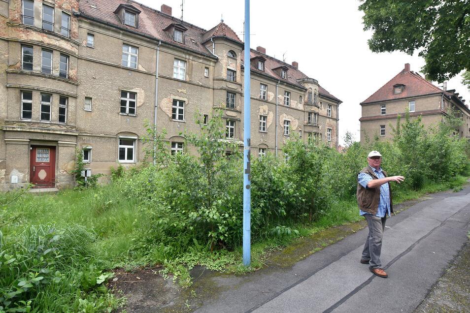 Sanierungsbedürftig sind diese im Privatbesitz befindlichen Häuser in der Sachsenstraße.