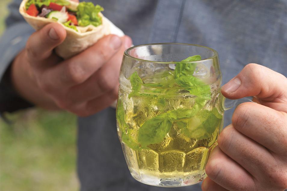 Ein Birne-Anis-Drink ist eine erfrischende Kombination.