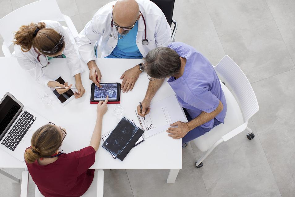 Alles im Griff: Health Care Manager in der Gesundheitsbranche.