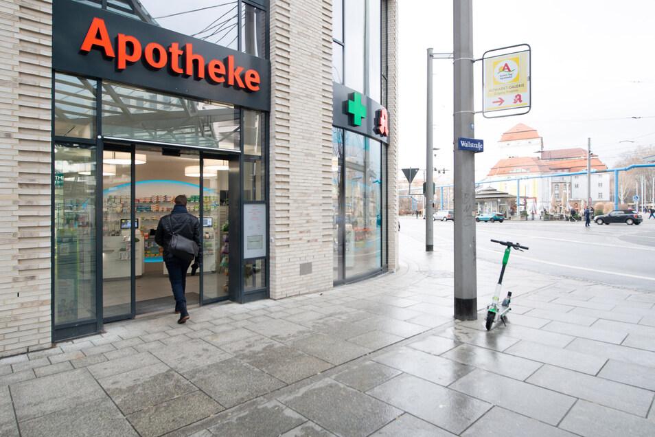 In den Neubau direkt am Postplatz ist die neue Apotheke im Dezember eingezogen.