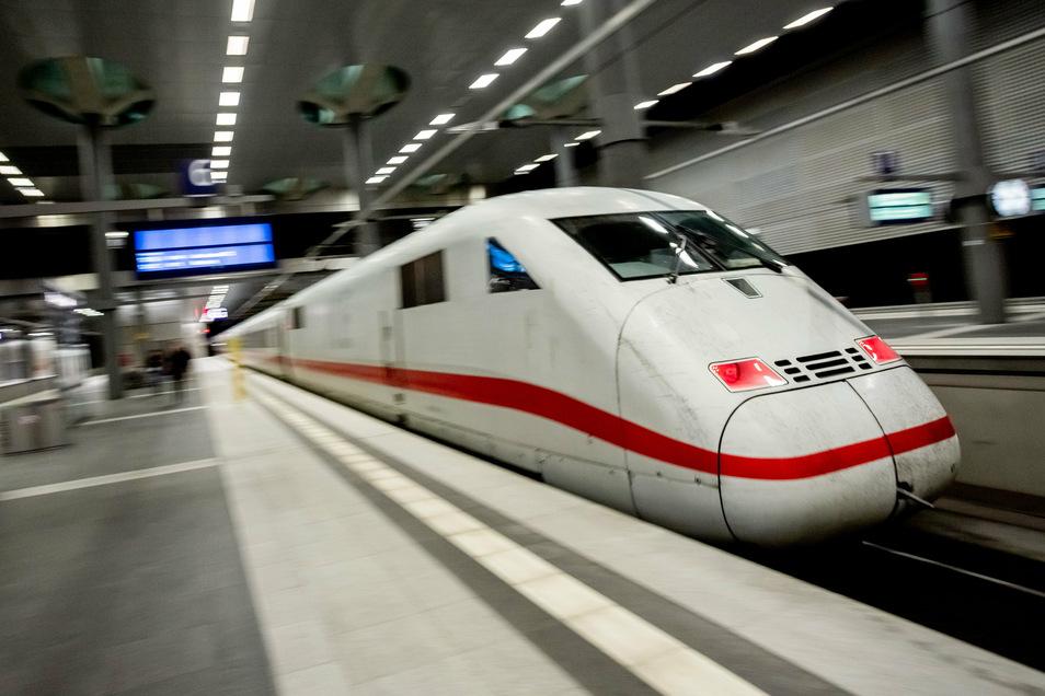 Vor allem zwischen Berlin und Hamburg sollen künftig deutlich mehr Menschen Platz finden.