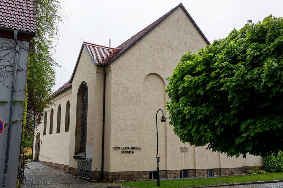 In der katholische Kirche St. Pius X. zu Wilsdruff finden wieder Gottesdienste statt.