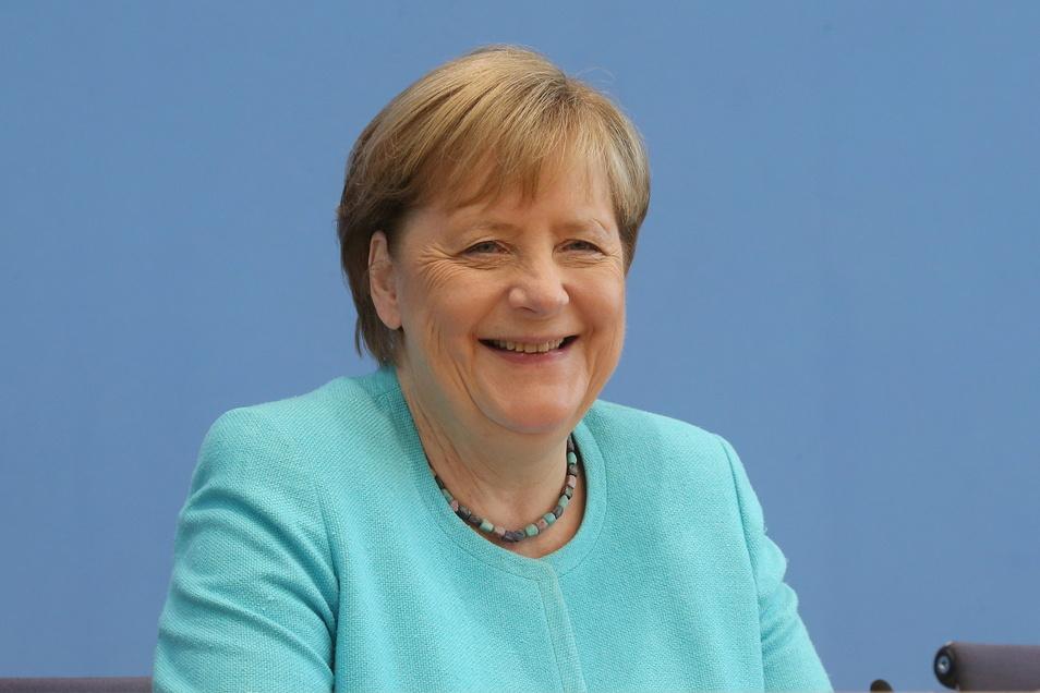 Angela Merkel (CDU) stellt sich heute den Fragen der Hauptstadt-Journalisten. Es ist voraussichtlich ihr letzter Auftritt dieser Art.