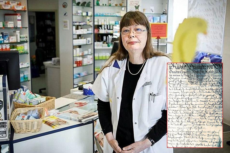 Brigitte Westphal leitet seit dem Jahr 1998 die Humboldt-Apotheke am Görlitzer Demianiplatz. Darüber hinaus forscht sie zur Medizingeschichte: Die kunstvolle Restaurierung des ältesten Görlitzer Apotheken-Privilegs von 1594 im Ratsarchiv (kleines Bild