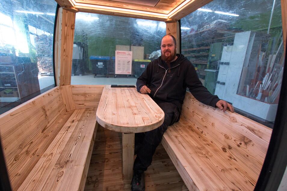 Stefan Wagner aus Hartha hat bereits 2015 die beste Meisterprüfung der Handwerkskammer Chemnitz im Tischlerhandwerk abgelegt. Er hat mit dem Job sein Wunschberuf gefunden.