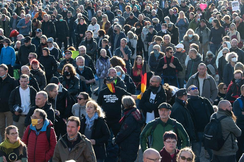 Warum das OVG die Corona-Demo in Leipzig erlaubte | Sächsische.de