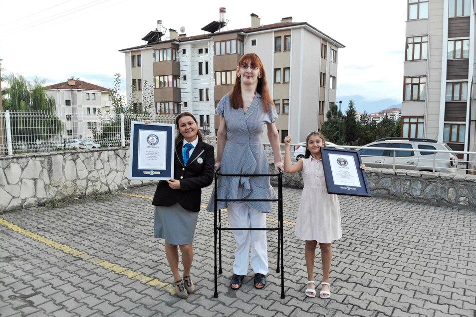 Rumeysa Gelgi  ist laut Guinness-Buch die  größte Frau der Welt