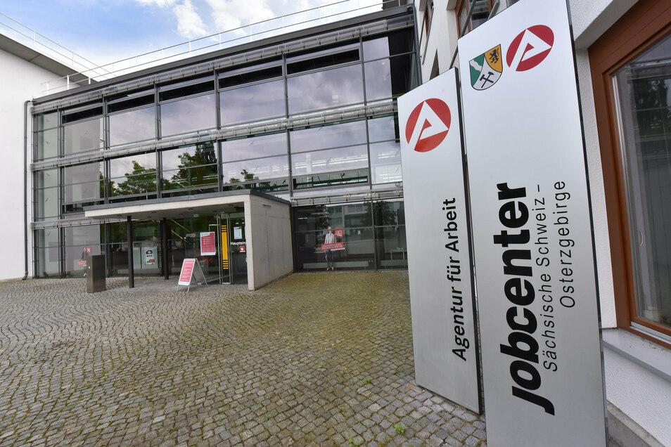 Die Agentur für Arbeit und das Jobcenter in Pirna haben aktuelle Zahlen veröffentlicht.
