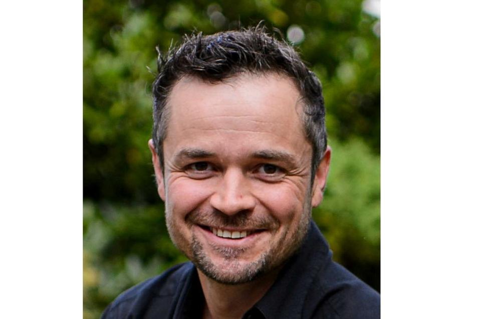 Christoph Scholze, stammt aus Berthelsdorf, lebt aber seit Jahren in Görlitz. Er war aktiv beim Kampf für die Erhaltung des Siemens-Werkes in Görlitz und arbeitet jetzt als Innovationsmanager bei Siemens Energy.