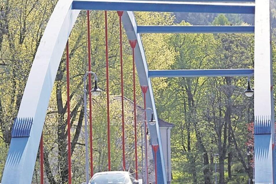 An der Brücke Blaues Wunder in Ebersbach muss der Korrosionsschutz erneuert werden.