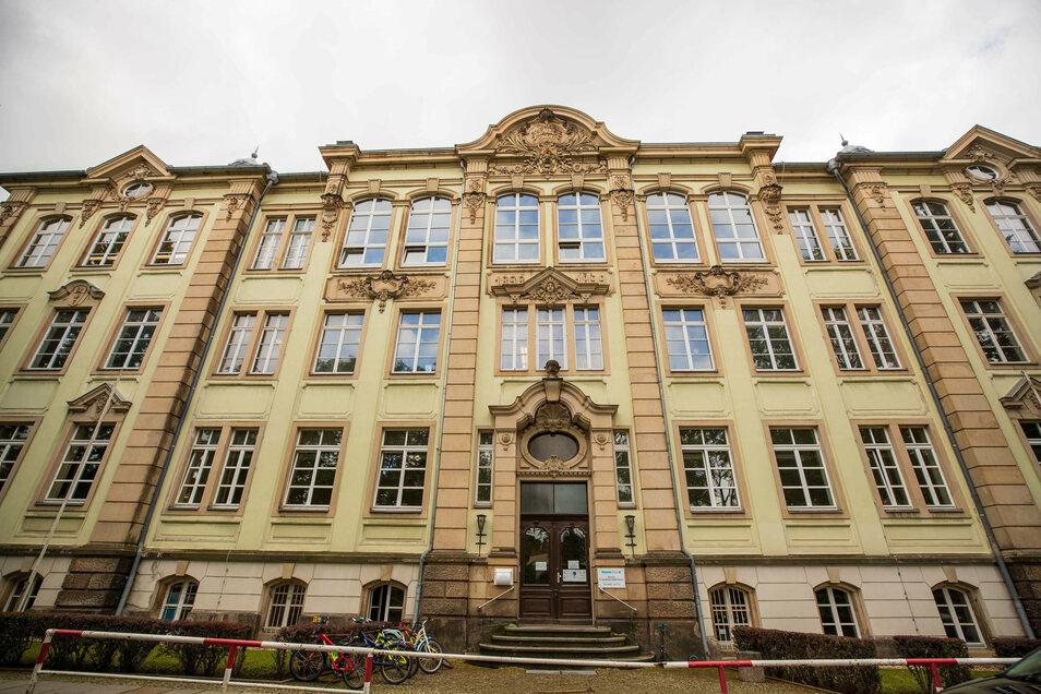 Schulgebäude an der Nicolaistraße: Domizil für Hort und neue Grundschule.