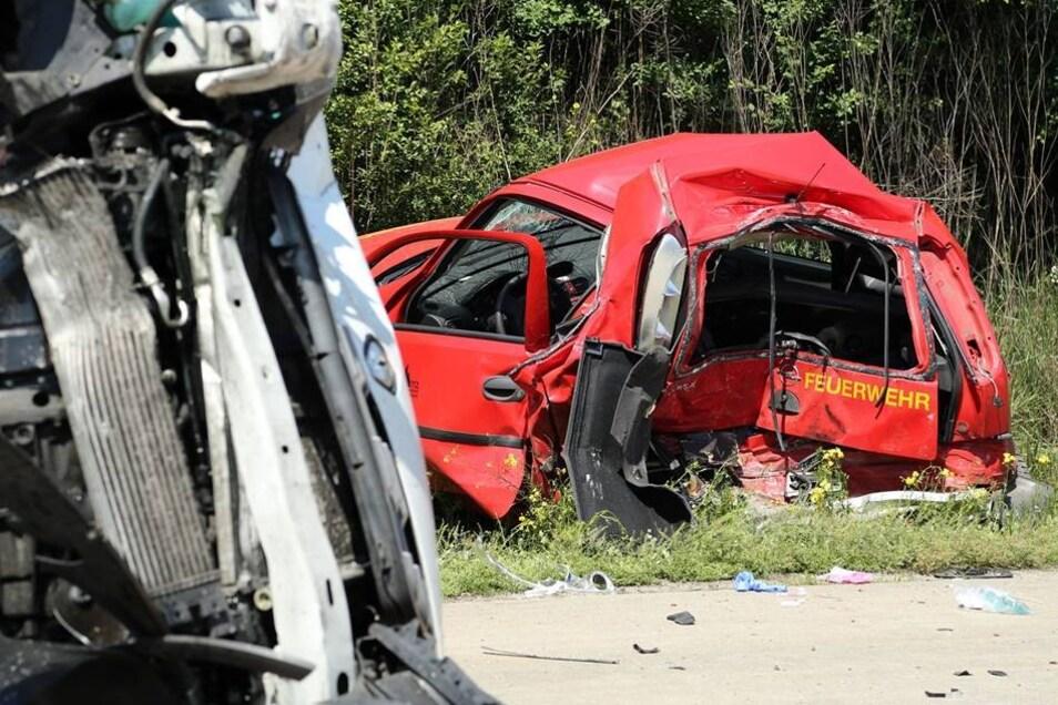 Der Fahrer des Transporters wurde ebenfalls mit schweren Verletzungen ins Spital gebracht.