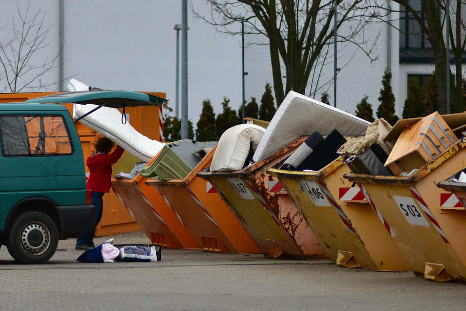 Bis auf Leuben und Loschwitz nehmen normalerweise alle Dresdner Wertstoffhöfe auch Schadstoffe an.