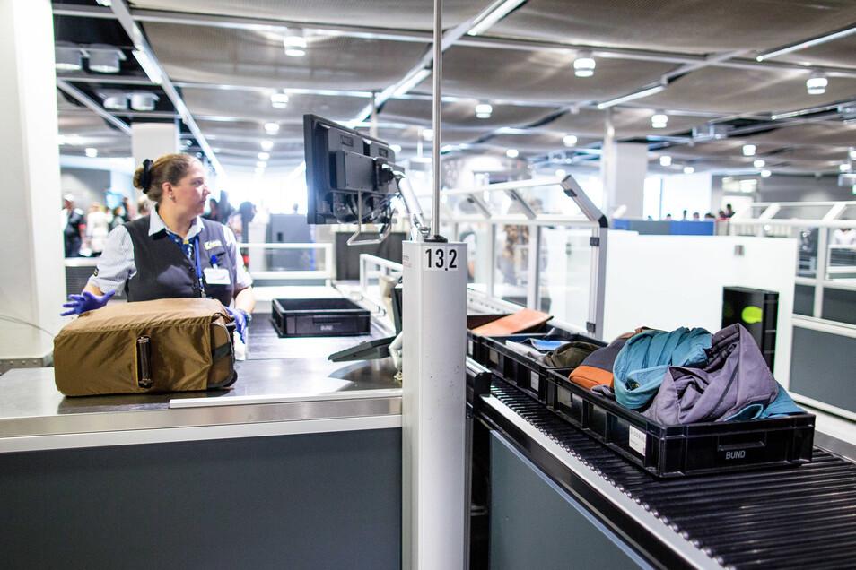 Die Sicherheitskontrolle am Düsseldorfer Flughafen.