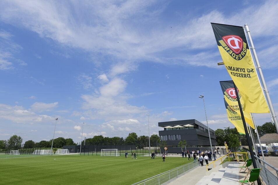 Die Dynamo-Profis dürfen derzeit nur einzeln auf dem Geländer der Trainingsakademie im Sportpark Ostra trainieren.