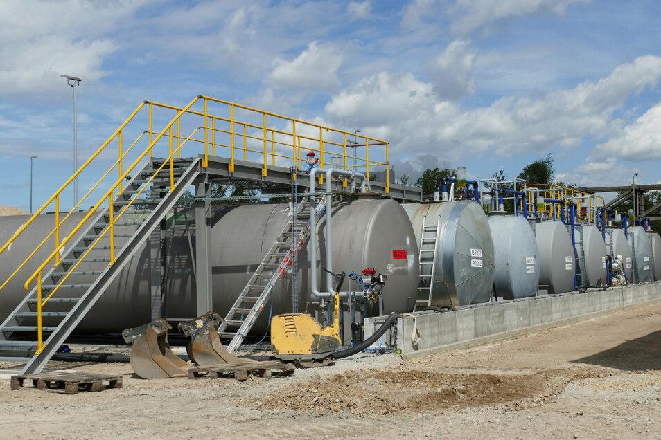 Auffangbehälter für die ausgeschiedenen belasteten Kondensatwässer in der VTRA. Von hier-aus gehen sie zur Abwasserbehandlungsanlage (ABA II) und dann, gereinigt, in die Spree.