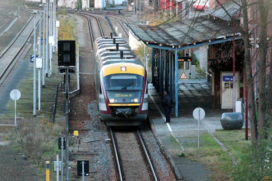 Bei der Mitteldeutschen Regiobahn gibt es auf der Strecke Dresden - Kamenz in der Nacht vom Freitag zum Sonnabend eine Änderung bei den Abfahrtszeiten.