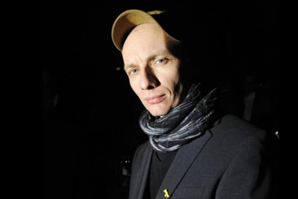 """Regisseur und Autor Dietrich Brüggemann (45) gehört zu den Initiatoren von #allesdichtmachen. Er ist von Anfang an ein Kritiker der Corona-Politik und textete in einem Song: """"Steckt euch euren Polizeistaat in den Arsch."""""""
