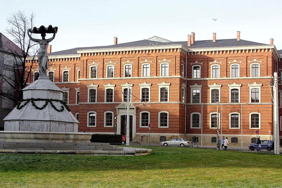 Das Gerichtsgebäude in Görlitz: Hier wurde jetzt der Automatensprenger aus dem Jobcenter verurteilt.