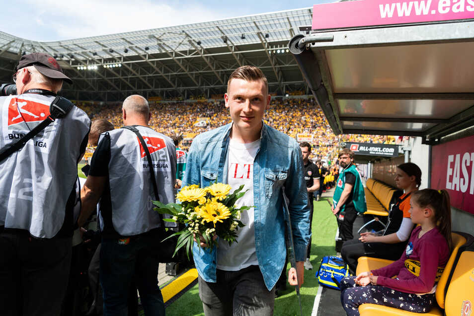 Mit Blumen, aber ohne Spiel wurde Markus Schubert am 19. Mai 2019 bei Dynamo verabschiedet. Nachdem er seinen Wechsel zum Saisonende angekündigt hatte, nahm ihn Trainer Cristian Fiel aus dem Tor und setzte auf Patrick Wiegers. Mit ihm schaffte Dynamo den