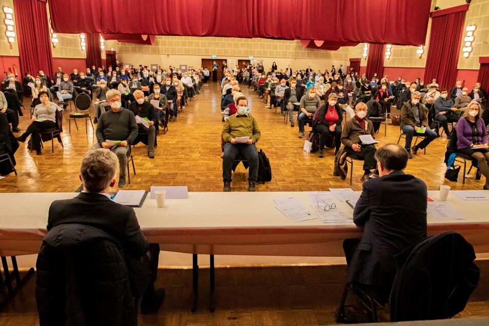 Am 11. März fand noch die Wahl des Großenhainer CDU-Bewerbers für den Bundestag in der Remontehalle statt. Danach begann die Renovierung.