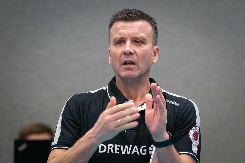 Beifall für seine Mannschaft: Alexander Waibl führt seinen Dresdner SC als Tabellenzweiter in die zweite Hälfte der Saison.