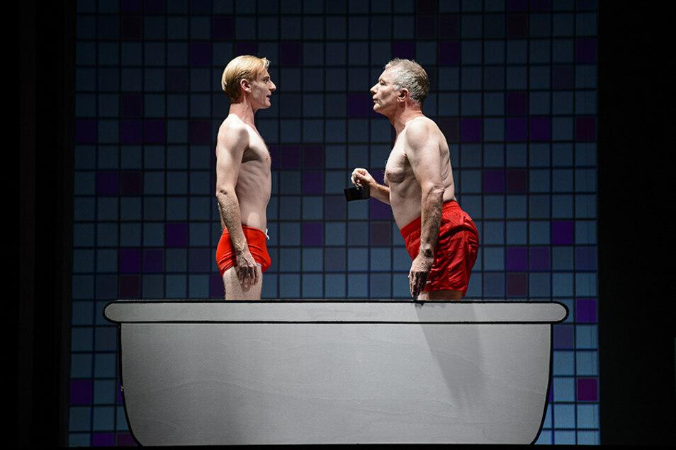 """Der berühmte Badewannen-Sketch darf natürlich im """"Loriot""""-Stück nicht fehlen."""