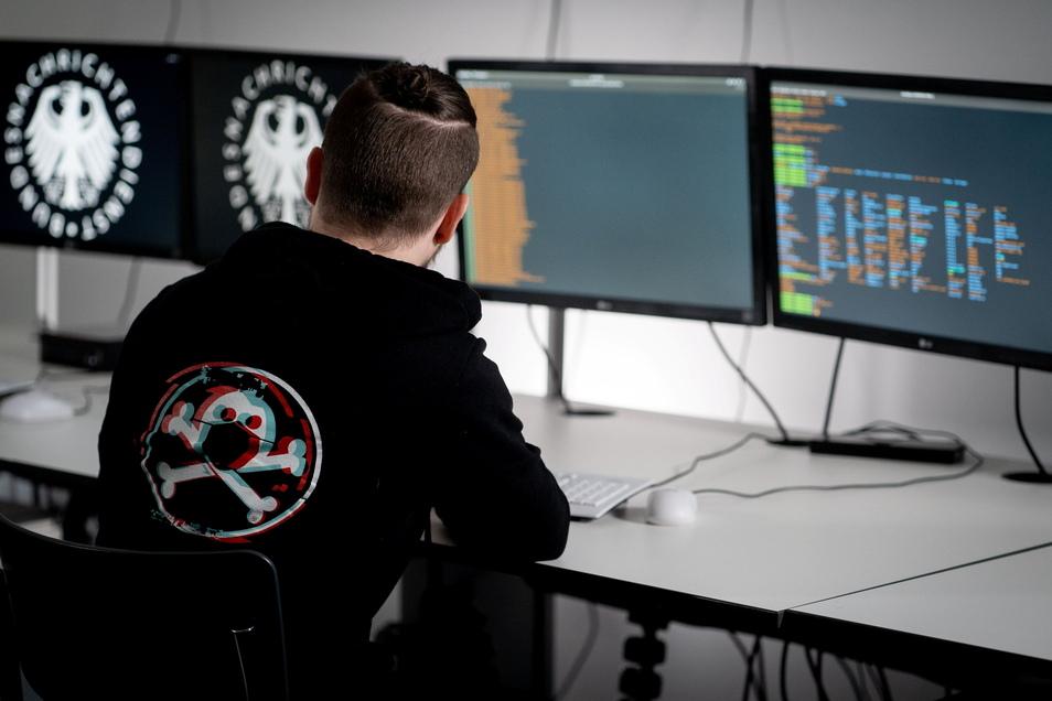 Lukas, Informatiker und Hacker beim Bundesnachrichtendienst