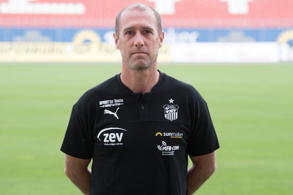 Cheftrainer Joe Enochs startet mit dem FSV Zwickau am Samstag beim 1. FC Magdeburg in den Rest der Rückrunde.