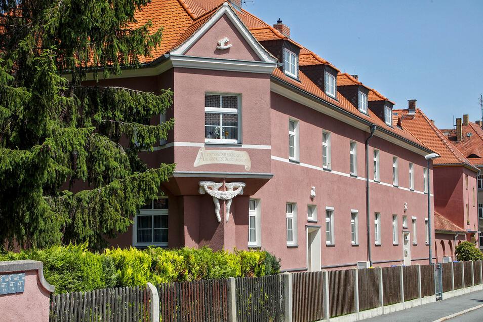 Eines der schön gepflegten Häuser am Ottersteg.