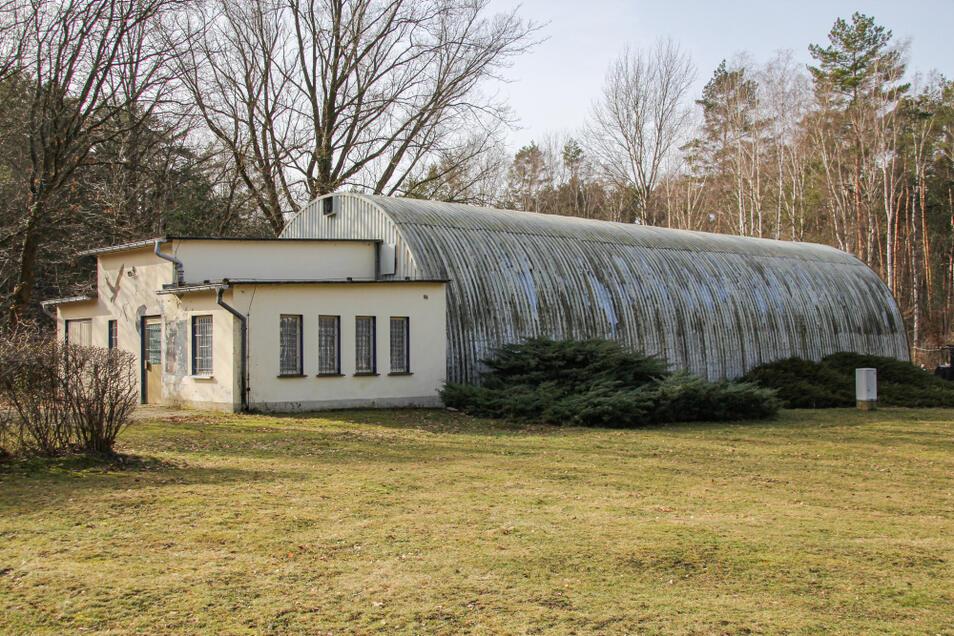 Das ehemalige Zeltkino auf dem Gelände des Waldbades ist seit Anfang der 2000er-Jahre das Vereins-Domizil der Bernsdorfer Schützengilde.