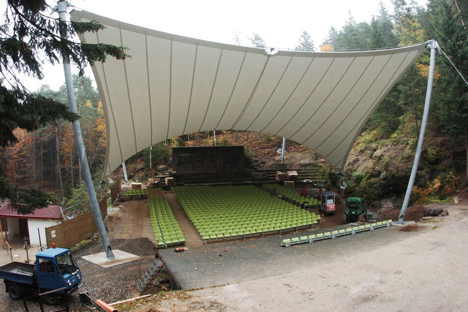 Der Lions-Club hat 2011 Kindern einen Besuch der Waldbühne in Jonsdorf ermöglicht.