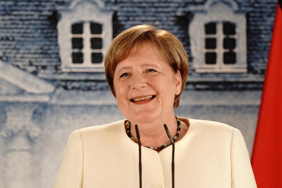 """""""Ich verrate Ihnen aber nicht, wann ich wo einkaufen gehe"""": Bundeskanzlerin Angela Merkel (CDU) bei der Pressekonferenz nach dem Gespräch mit Frankreichs Präsidenten Macron."""