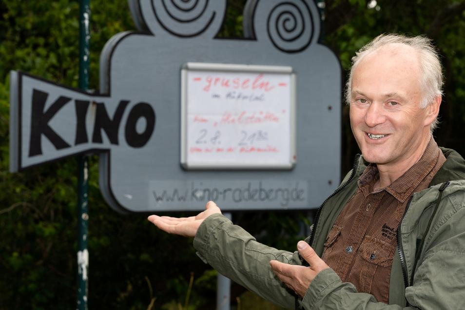 Rolf Daehne ist Leiter der Buena-Vista-Kinobar. Er und seine Mitstreiter laden für Ende Juli zum Open-Air-Kino auf Schloss Klippenstein ein.