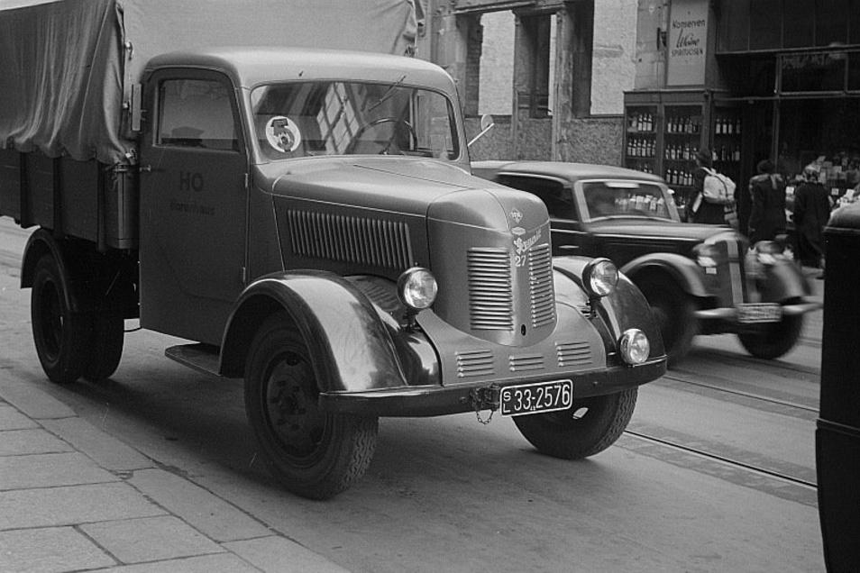 """So sah das erste Fahrzeug der Nachkriegsproduktion, der """"Granit 27"""", aus. Ende Januar 1950 verließen die ersten Modelle die Zittauer Phänomen-Werke."""