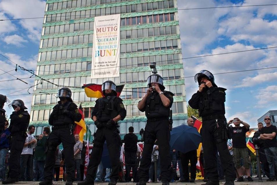 Am Dienstag hatte es eine Kundgebung der rechtsextremen NPD vor dem Haus der Presse in Dresden gegeben.