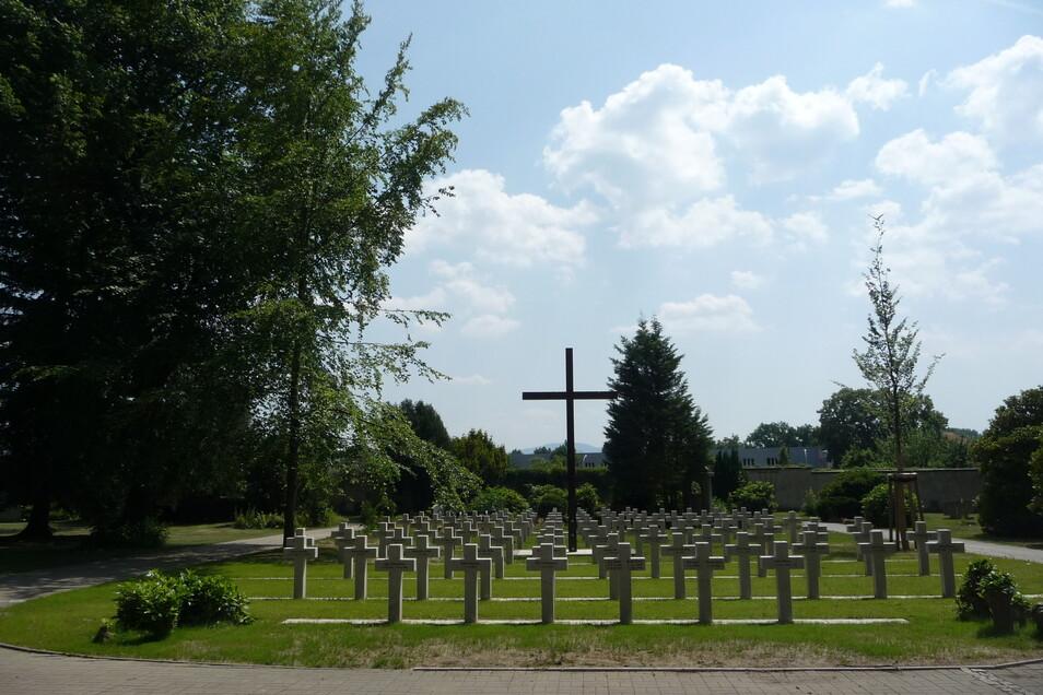Die Kriegsgräberanlage für Opfer des 1. Weltkrieges sieht wieder würdevoll aus.