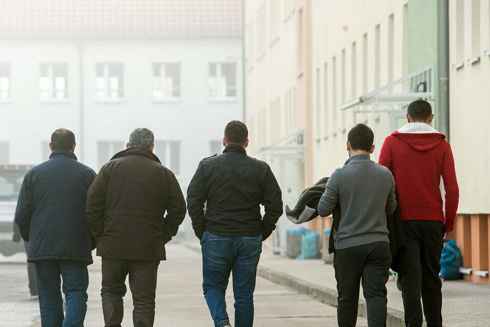 Asylbewerber, Geduldete, Illegale, hier ein Symbolbild - viele sind im Kreis in Wohnungen, dezentral, untergebracht.