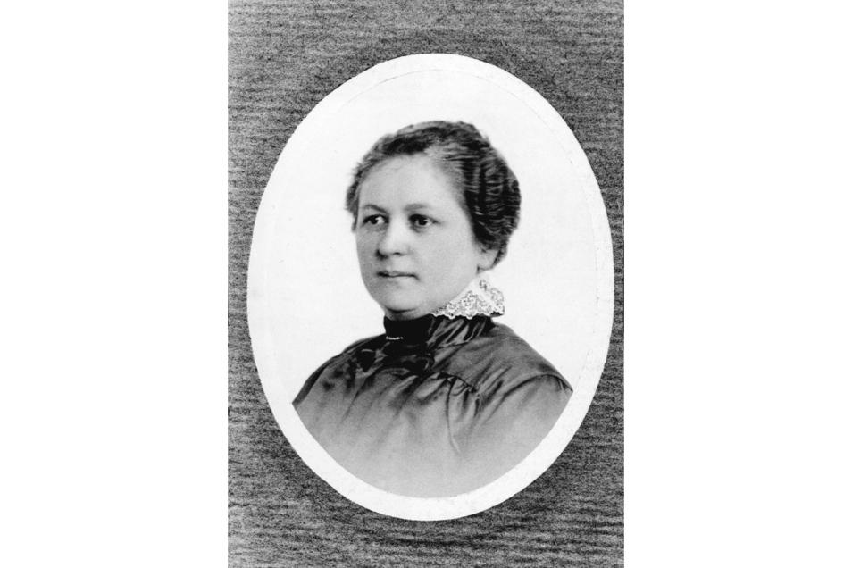 Melitta Bentz (1873-1950) , eine Hausfrau aus Dresden, meldete 1908 ihren neuen Kaffeefilter beim Patentamt an. Sie gehörte zu den ersten Frauen, die ihre Erfindungen persönlich schützen ließen.