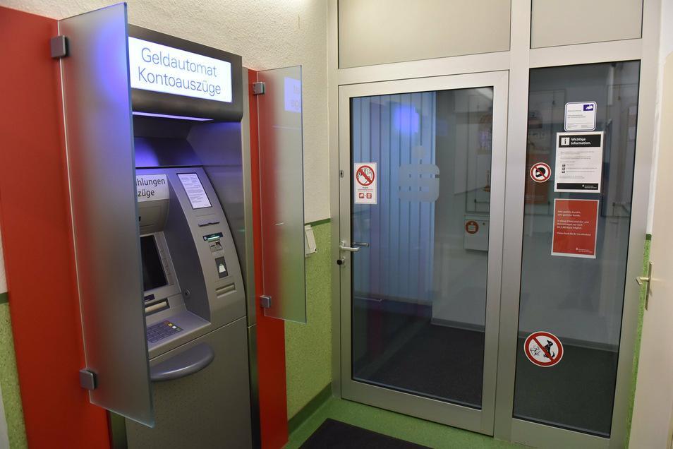 Geschlossene Filiale Sparkasse in Freital Zauckerode.
