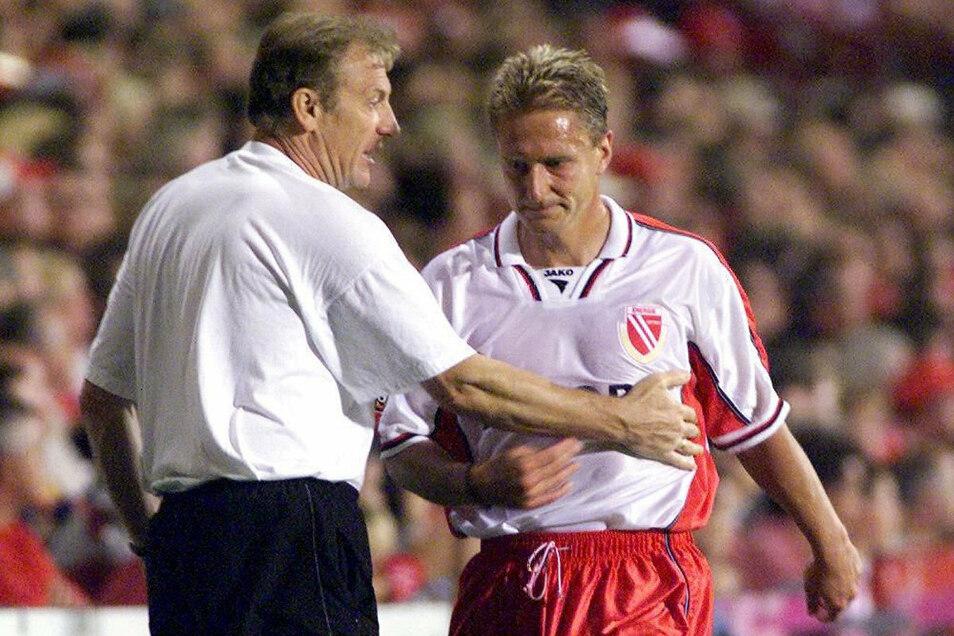Eduard Geyer (l.) als Trainer und Steffen Heidrich als Kapitän führten den FC Energie Cottbus in der Saison 1999/2000 sensationell zum Aufstieg in die Bundesliga