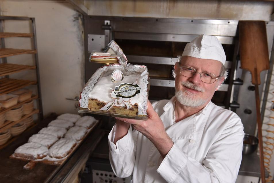 """Der """"Erzgebirgische Weihnachtsstollen"""" ist eine geschützte Marke. Bäcker Joachim Lehmann war einer der wenigen Bäcker in der Region, der dem Stollenverband Erzgebirge angehörte."""