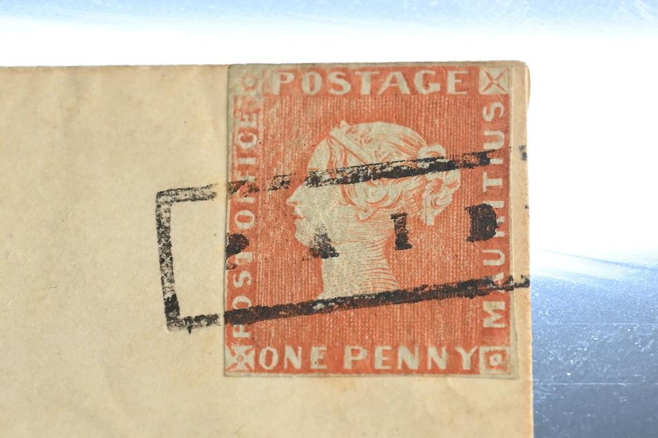 """Die Briefmarke """"Rote Mauritius"""" ist versteigert worden."""