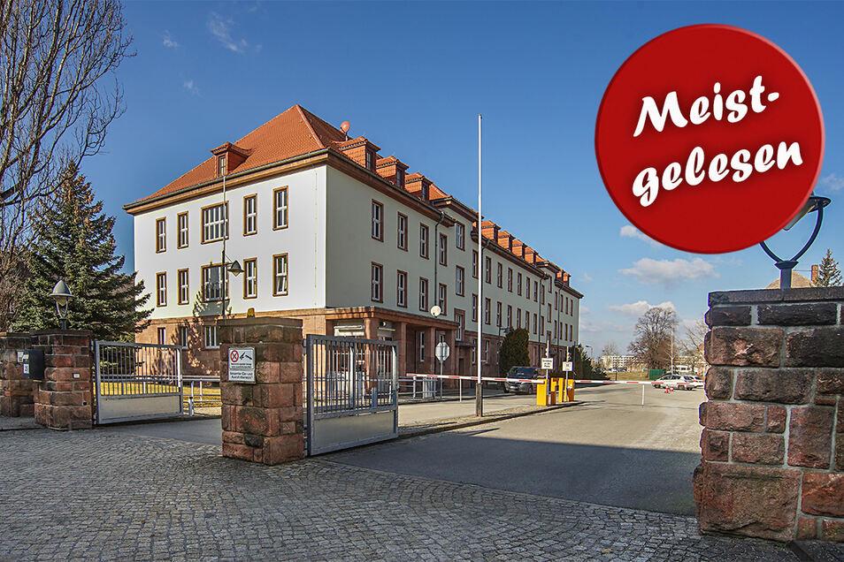 Die Einfahrt zur Polizeihochschule in Bautzen.