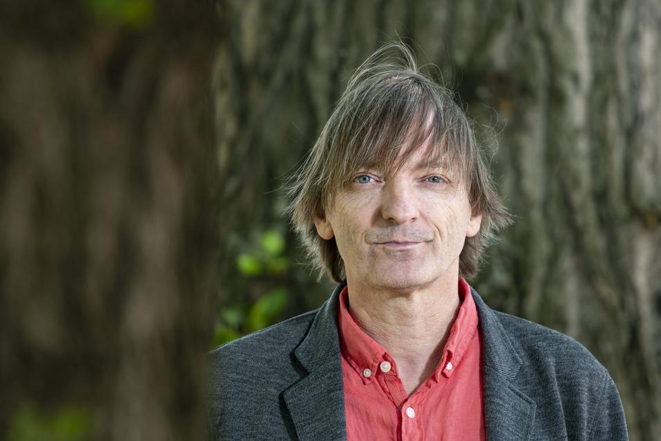 """Volker Sielaffs aktuelles Buch """"Barfuß vor Penelope"""" ist in der Edition Azur/Verlag Voland & Quist erschienen."""