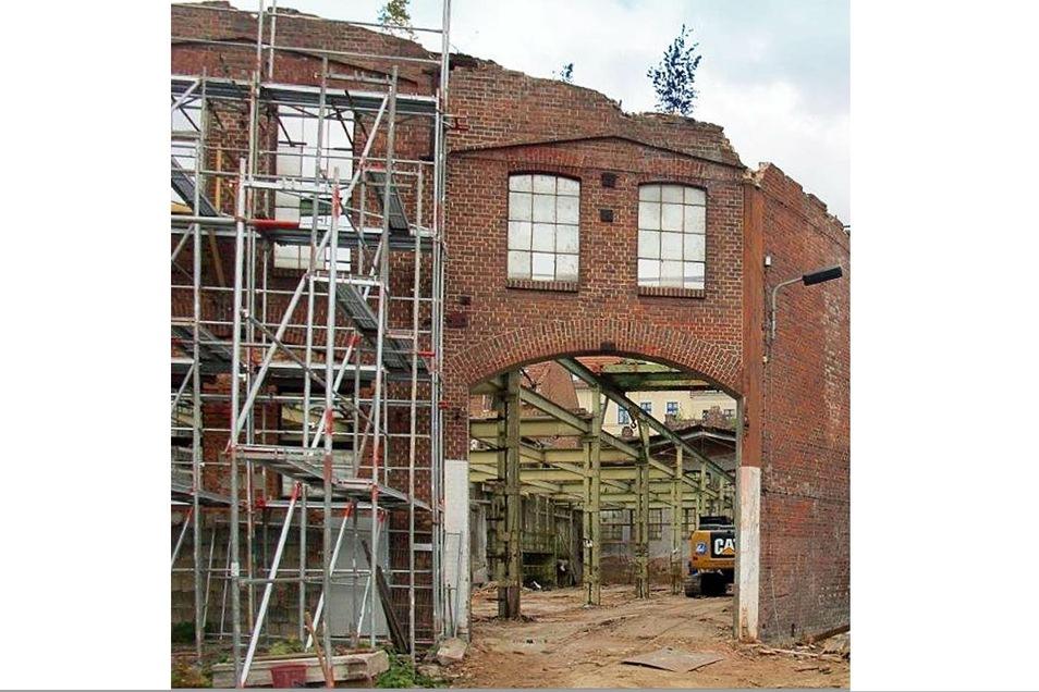 Bis auf wenige Originalteile wurde diese alte Halle ab 2018 für das neue Zentrum abgerissen.